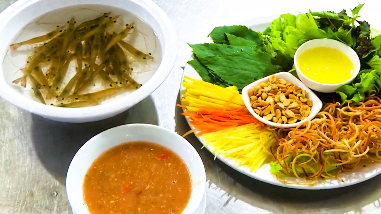 Món tôm bò nhảy tanh tách trong miệng, thách thức thực khách ở Quảng Ninh - 4