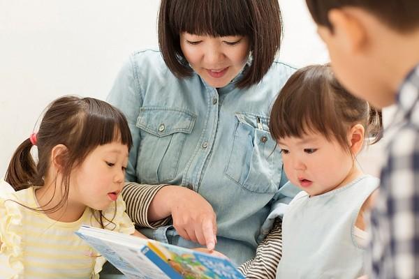 Người Nhật dạy con ngoan nhờ cái ôm 8 giây và 5 phút thủ thỉ - 2