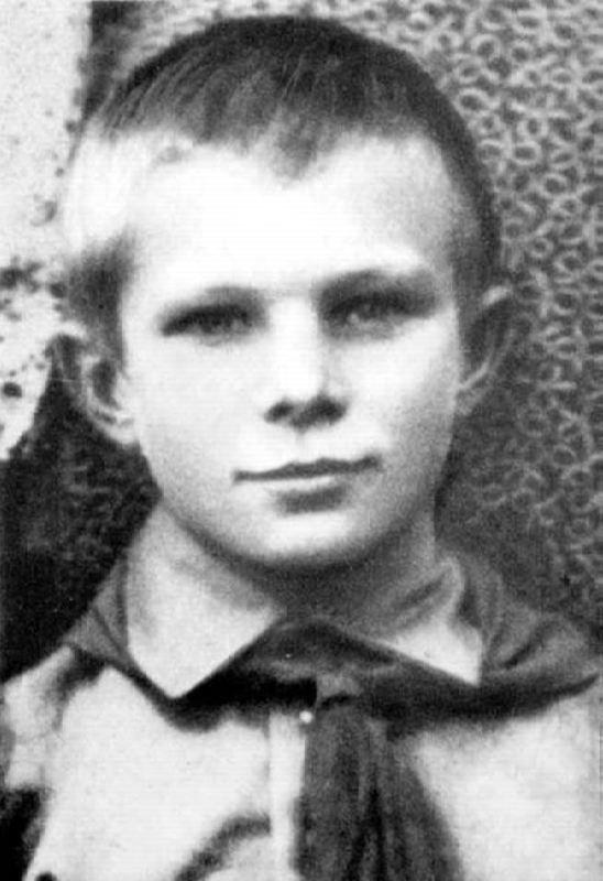 60 năm chuyến bay đầu tiên vào vũ trụ và cái chết bí ẩn của Yuri Gagarin - 2