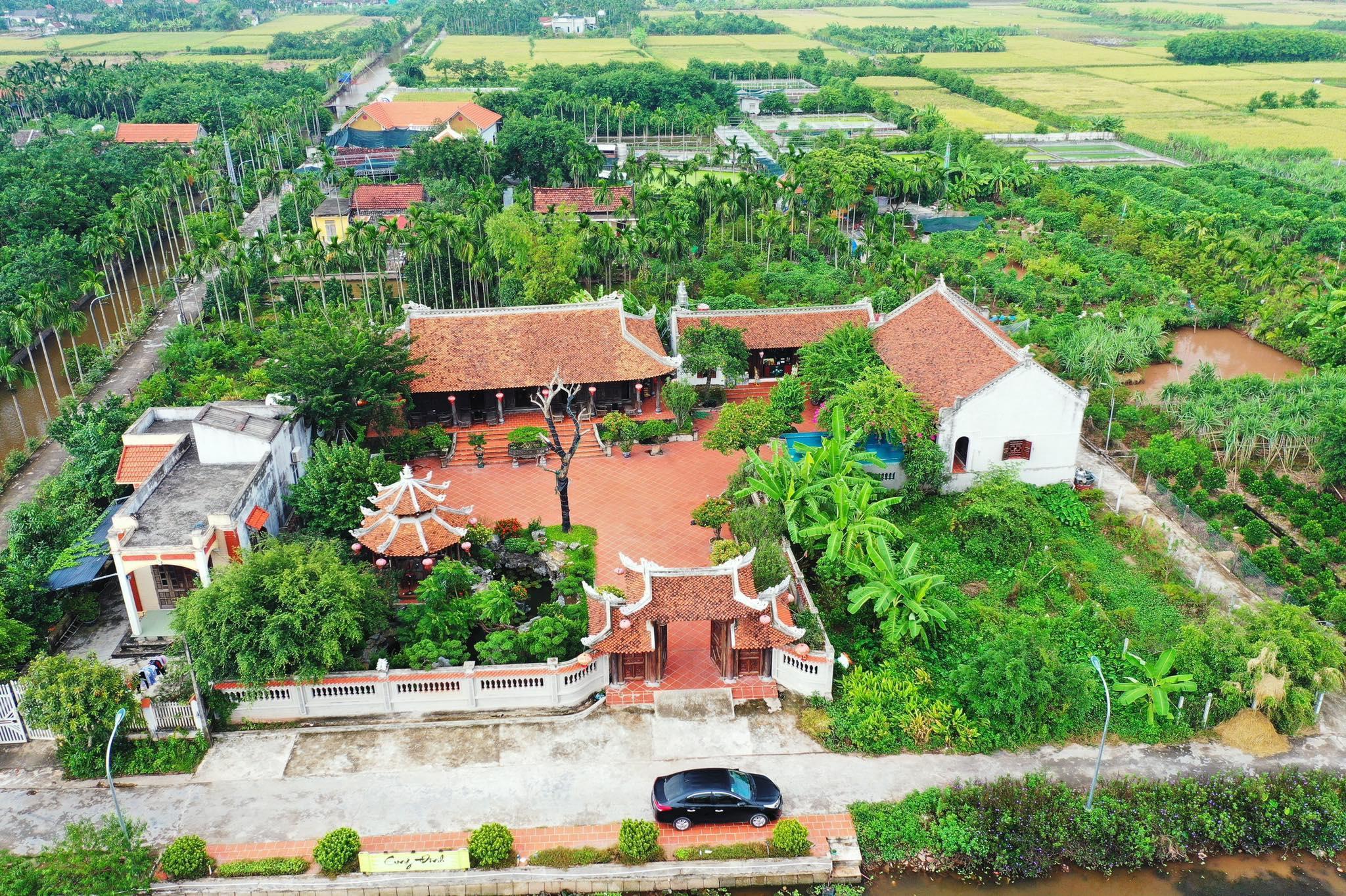 Biệt phủ 1.700m2 toàn cây cảnh bạc tỷ của gia đình ở Nam Định - 1