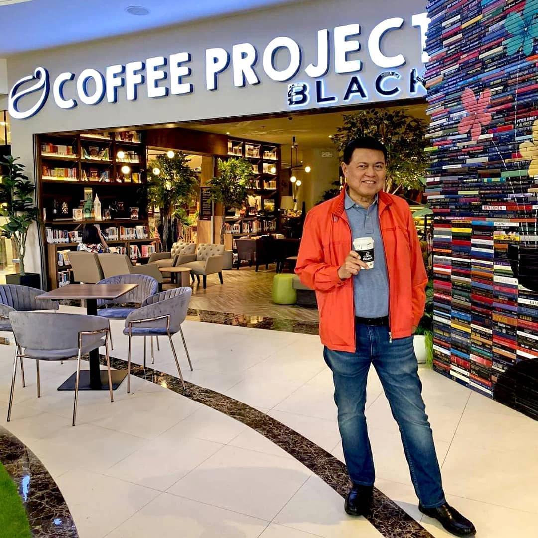 Cậu bé bán cá thành tỷ phú Philippines và lối sống giản dị đến khó tin - 3