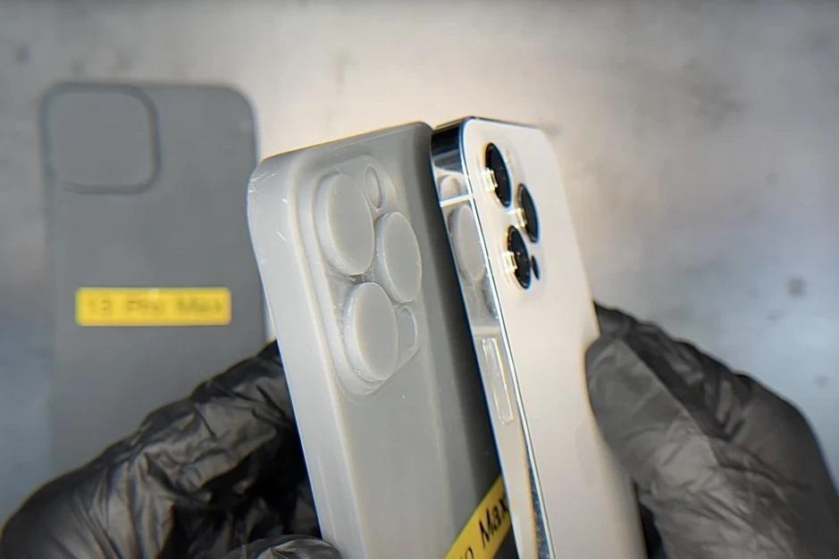 Ảnh bản dựng hoàn chỉnh cho thấy trọn vẹn thiết kế của iPhone 12S - 2