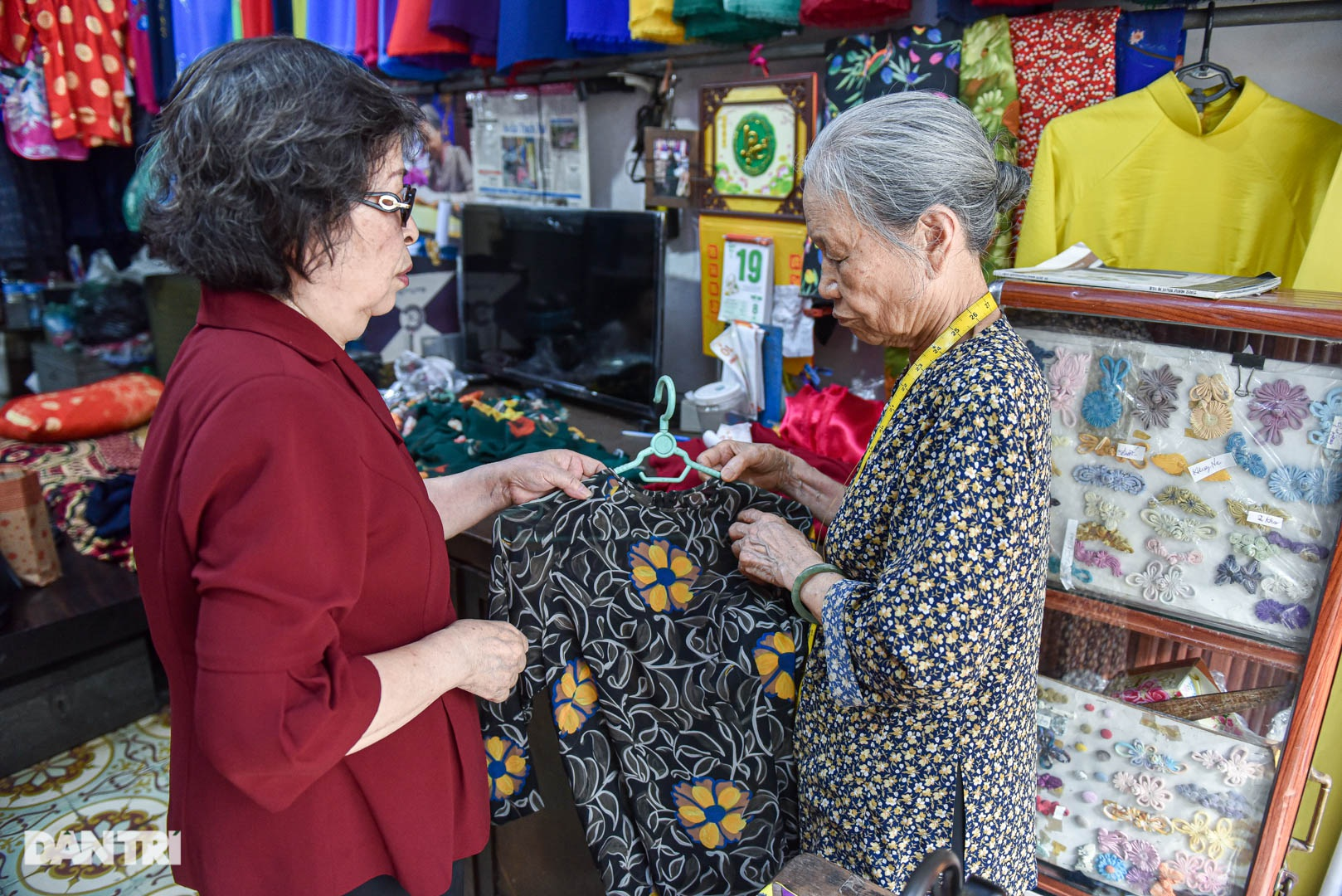 Tiệm áo dài 4 đời được trả 400 cây vàng mà không bán của cụ bà 81 tuổi - 2