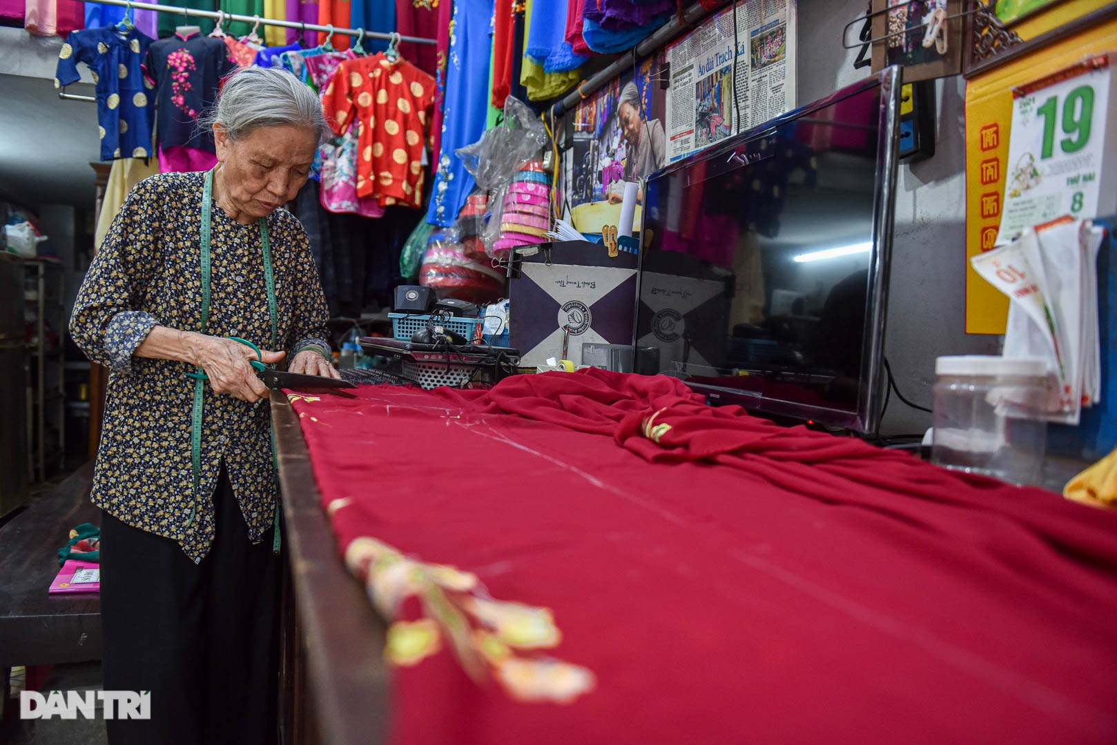 Tiệm áo dài 4 đời được trả 400 cây vàng mà không bán của cụ bà 81 tuổi - 10