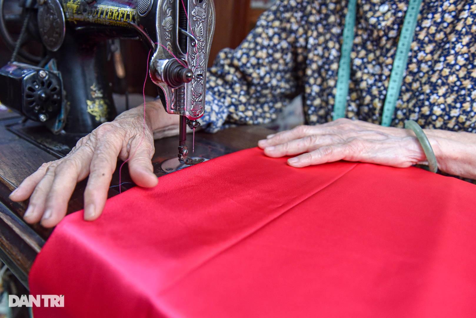 Tiệm áo dài 4 đời được trả 400 cây vàng mà không bán của cụ bà 81 tuổi - 5