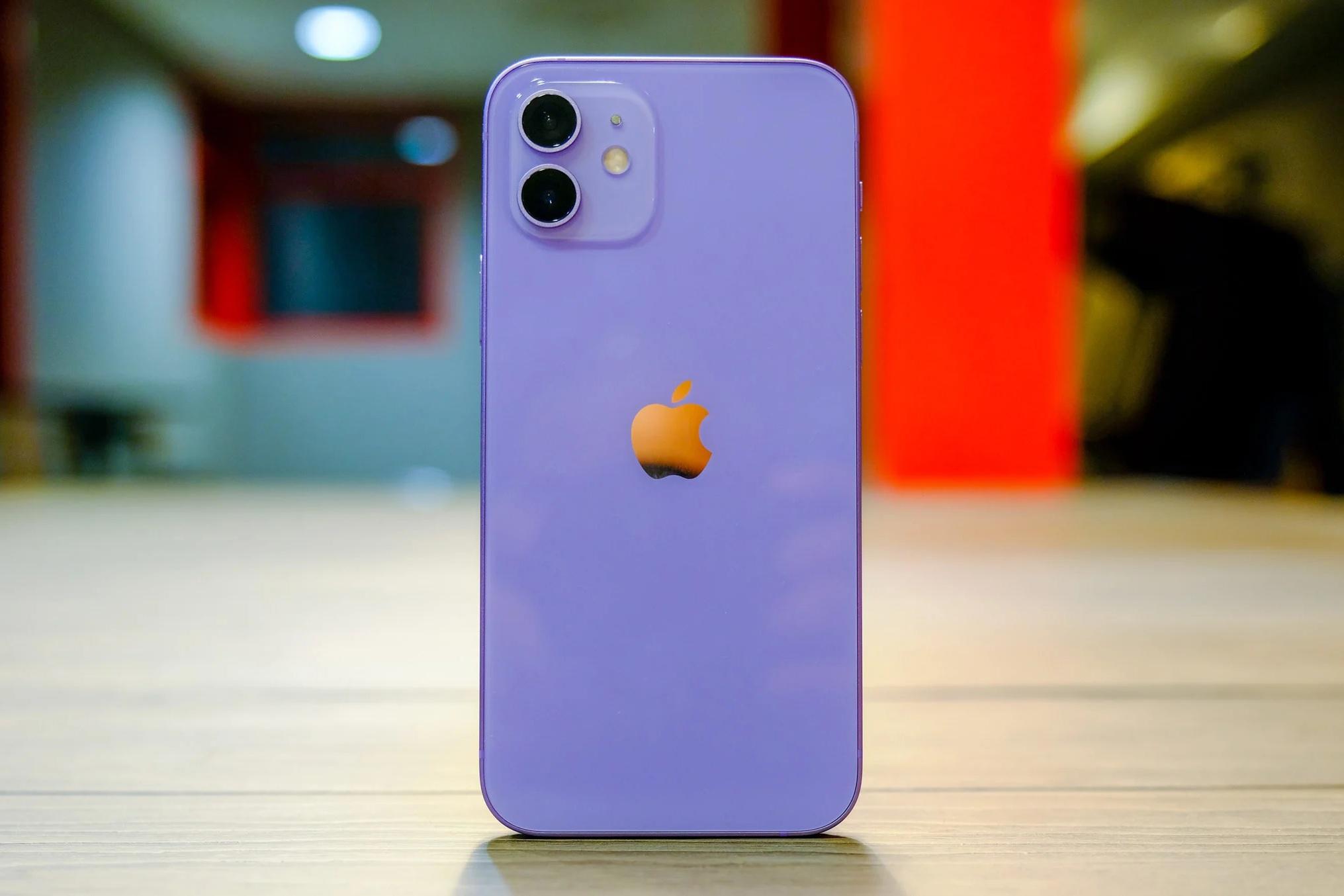 Cận cảnh chiếc iPhone 12 màu tím mà Apple vừa ra mắt - 2
