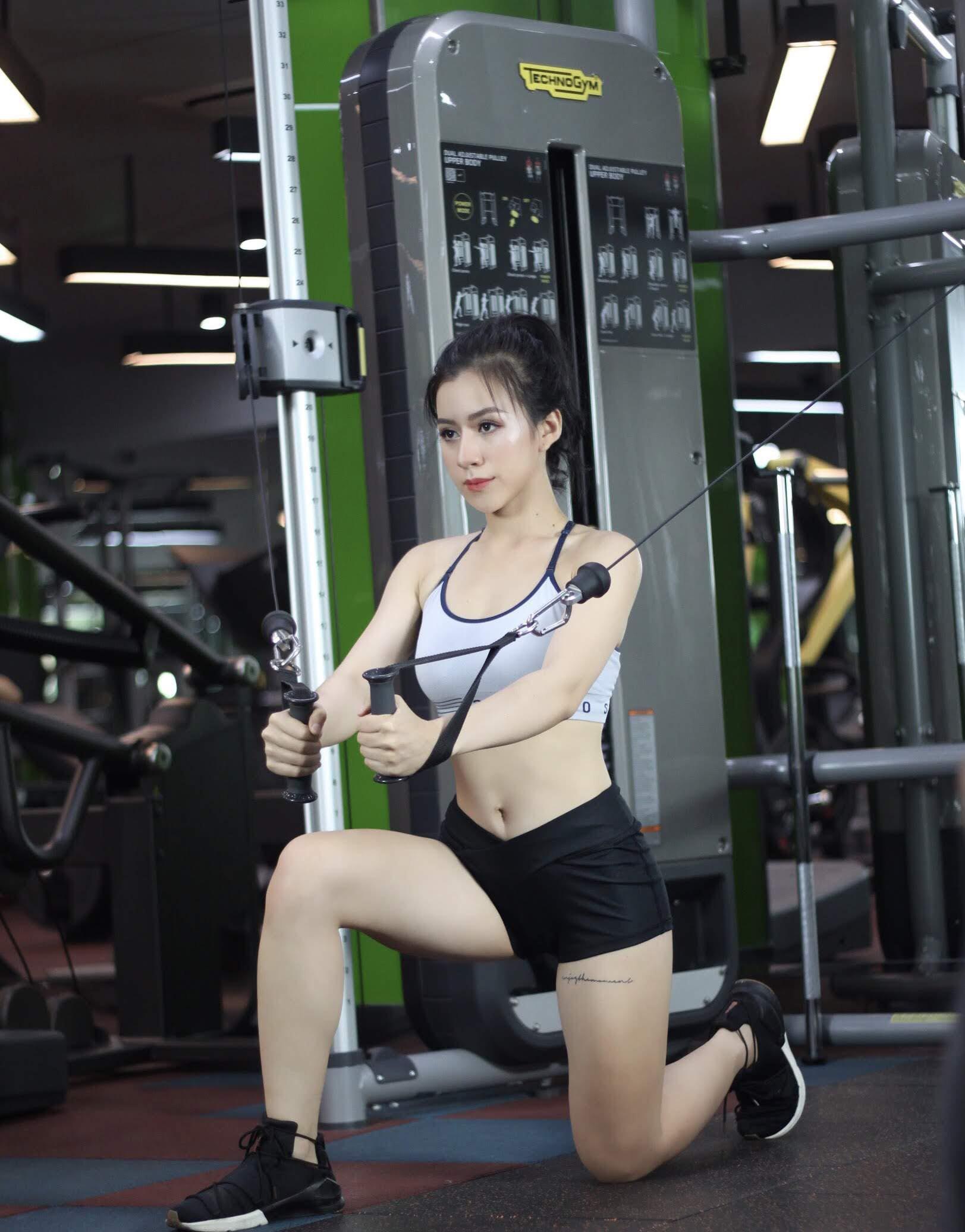 Hot girl Quảng Ngãi mỏi tay chặn tin nhắn khiếm nhã vì quá sexy - 11