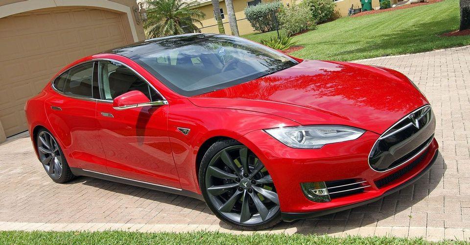 Những mẫu xe bạn nên tránh xa nếu định mua ô tô hạng sang đã qua sử dụng - 6