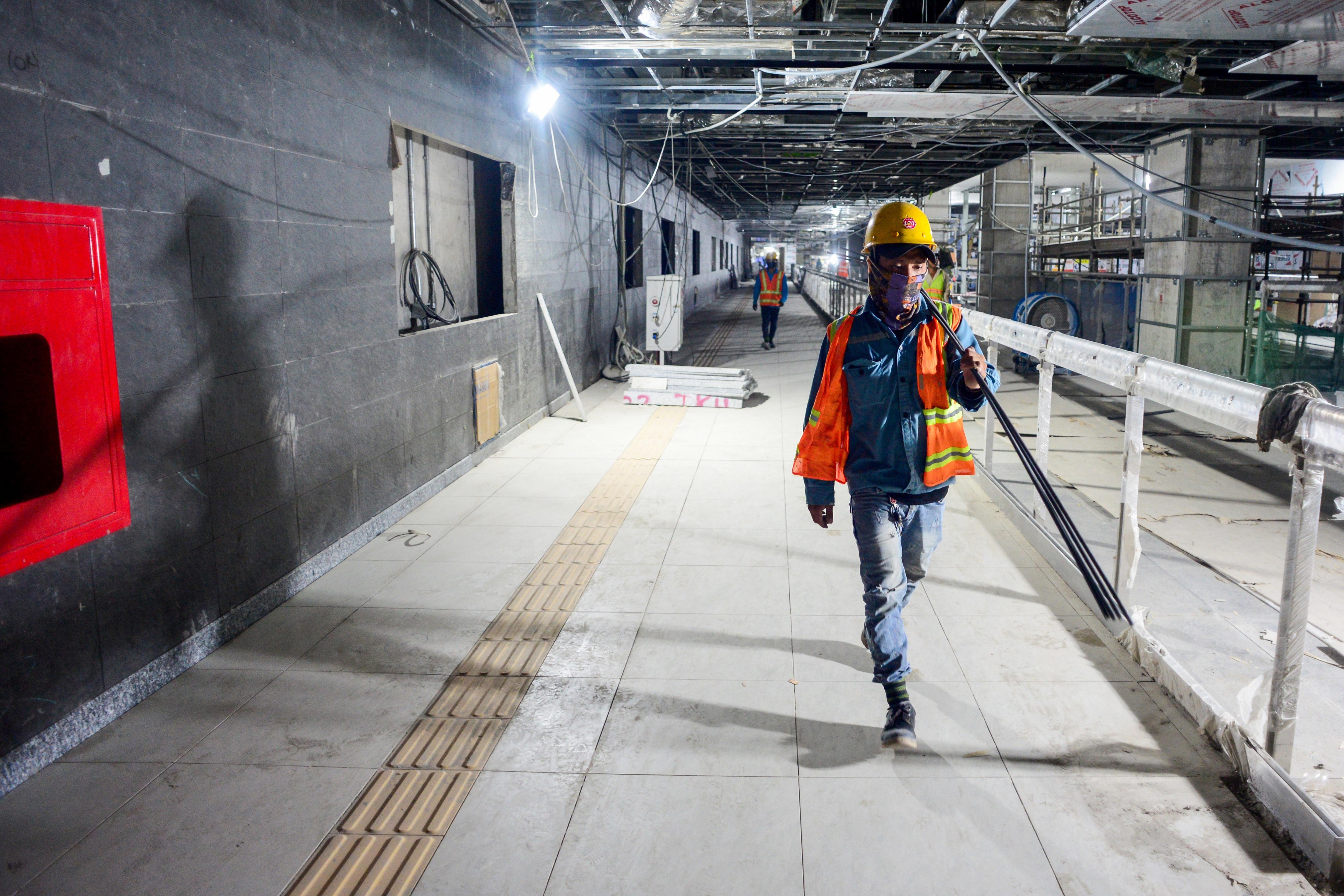 Ngắm tuyến metro đầu tiên của TPHCM sau gần 10 năm chờ đợi - 9