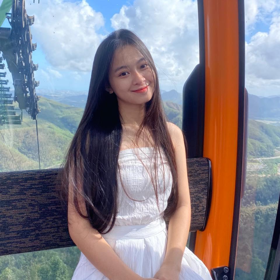 Nữ sinh Quảng Bình xinh xắn, hát dân ca ngọt như mía lùi - 3