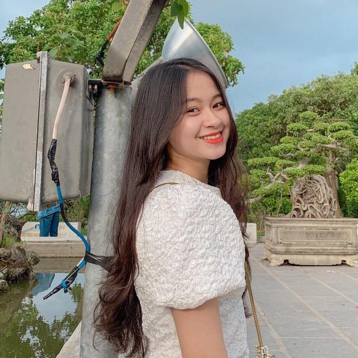 Nữ sinh Quảng Bình xinh xắn, hát dân ca ngọt như mía lùi - 8