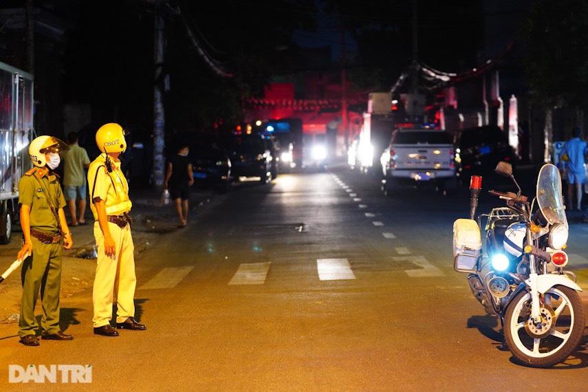 Hiện trường vụ cháy làm 8 người tử vong thương tâm ở TP HCM - 4