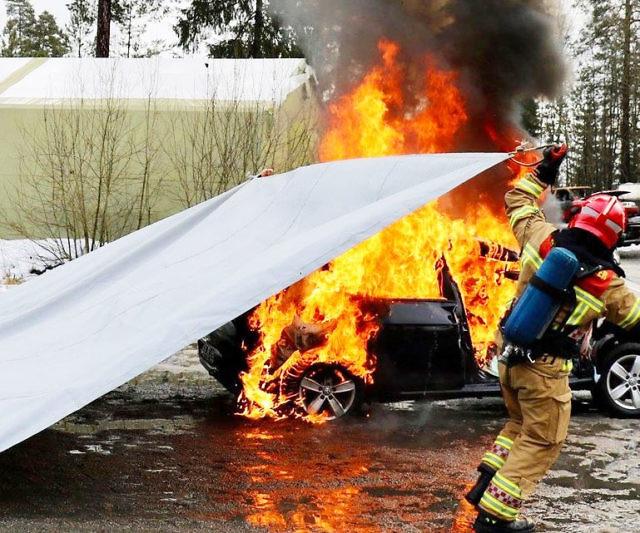 Tìm hiểu về chăn chữa cháy ô tô - 2