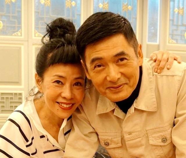 Châu Nhuận Phát: Siêu giàu, vẫn đi dép lê, ngồi xe điện, đi chợ cóc - 11
