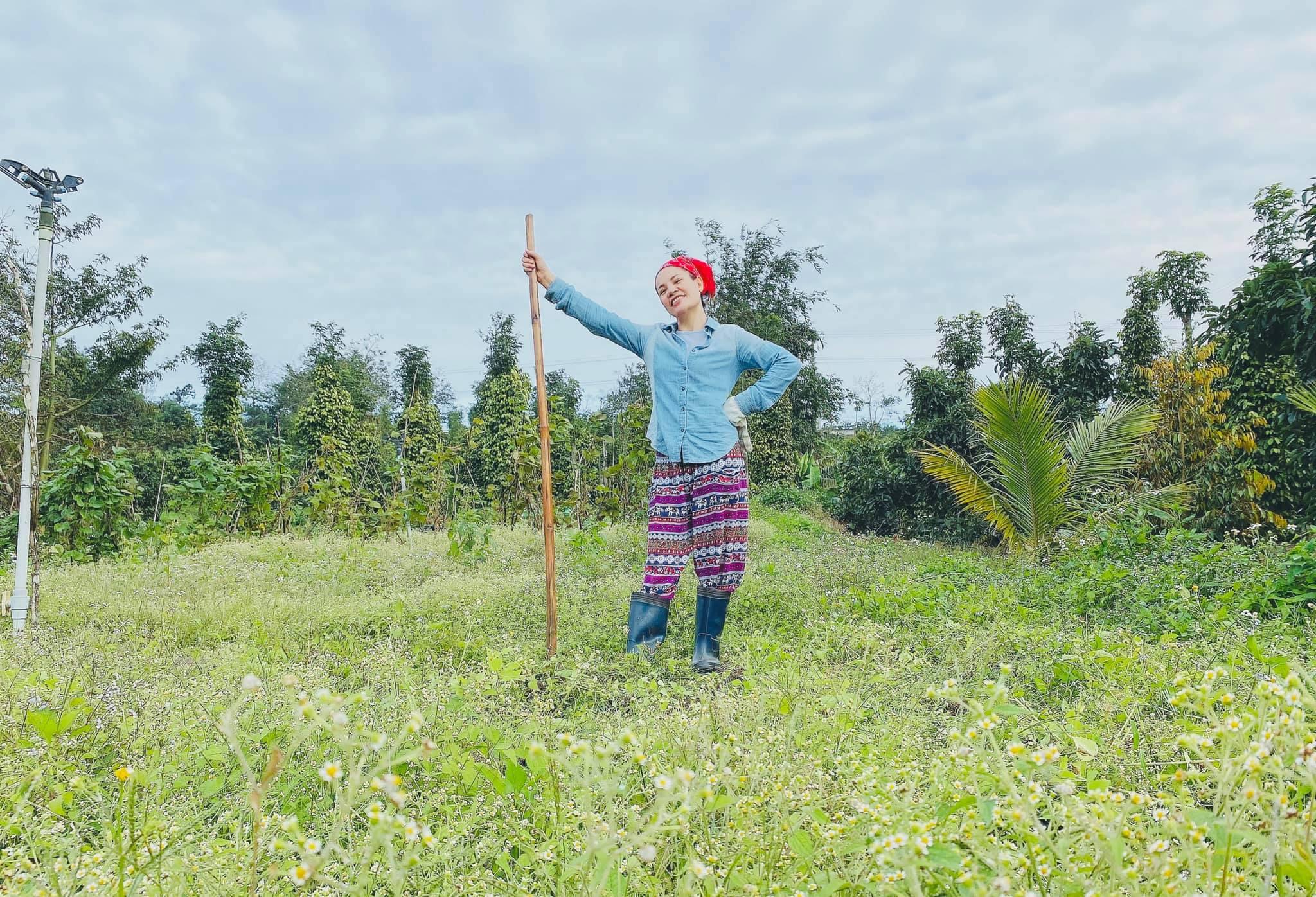 Cô gái bỏ nhà phố, xe sang ở Sài Gòn về quê cuốc đất làm nông dân - 10
