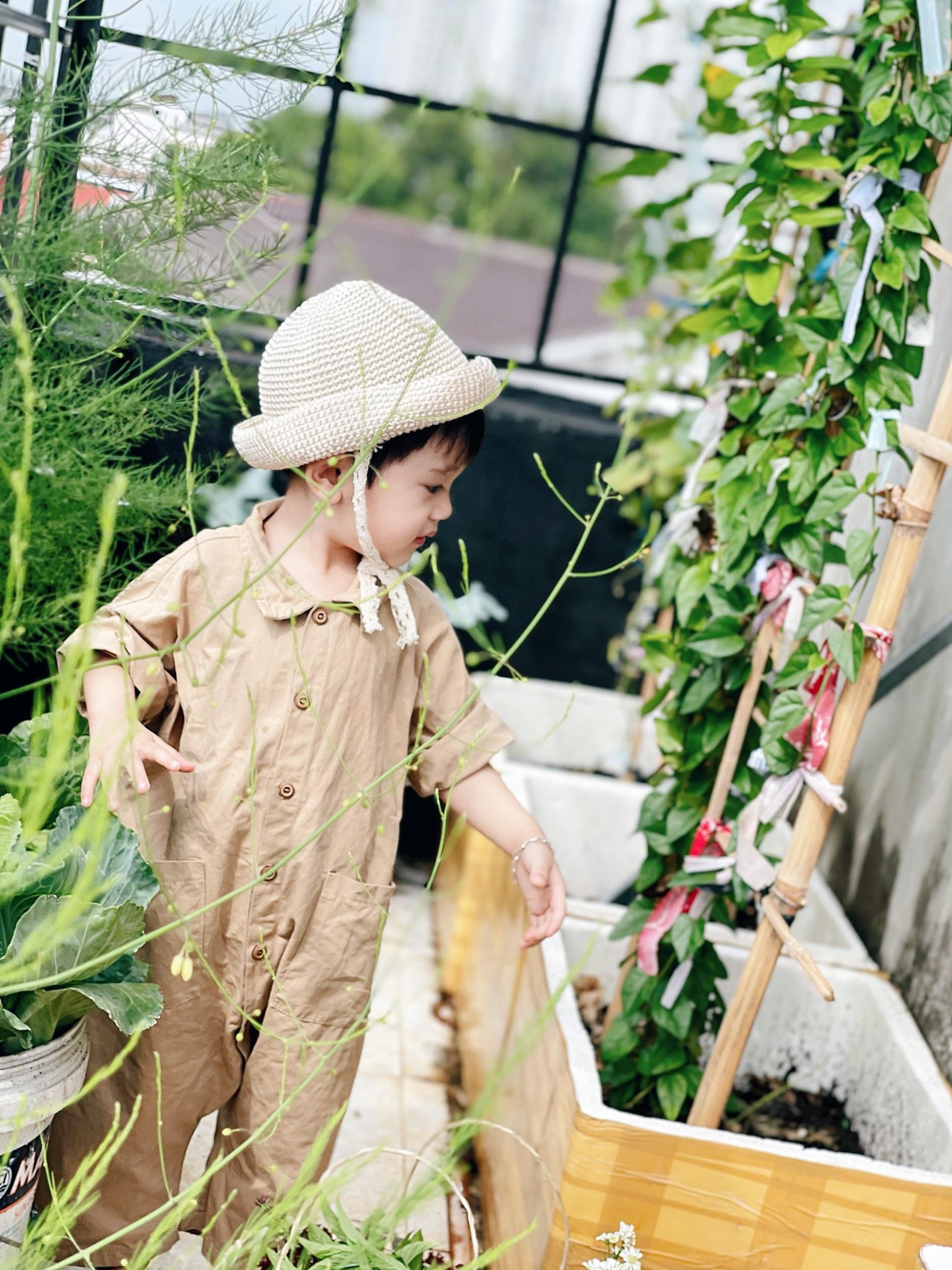 Mẹ đảm ở Đắk Lắk biến sân thượng thành studio nông trại đẹp mê - 8