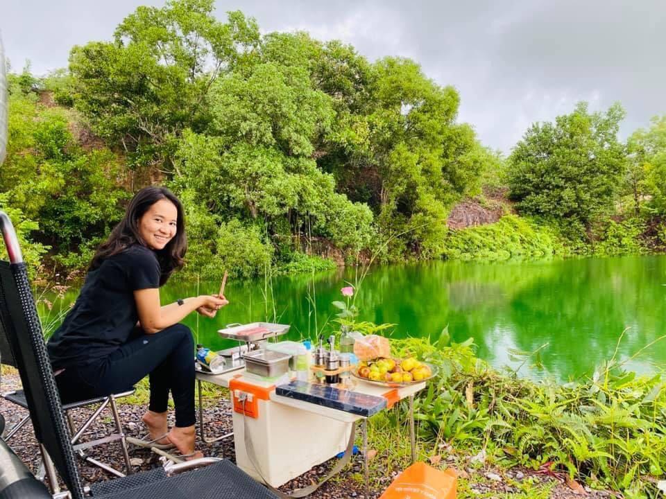 Hô biến ô tô thành nhà di động, đưa bạn gái du lịch khắp Việt Nam - 8