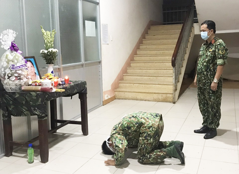 Mẹ mất đột ngột, chiến sĩ nén đau thương ở đơn vị làm nhiệm vụ chống dịch - 1
