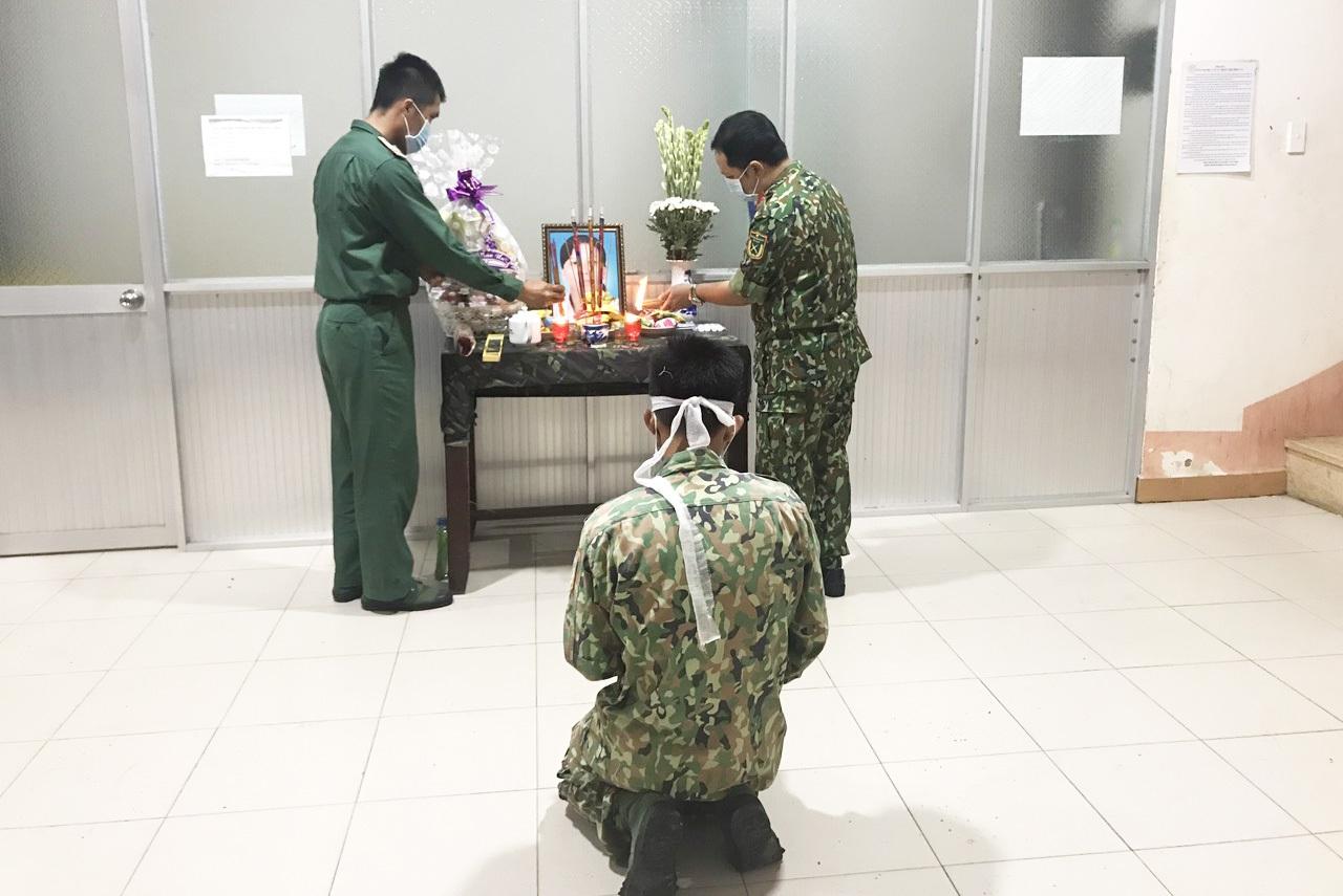 Mẹ mất đột ngột, chiến sĩ nén đau thương ở đơn vị làm nhiệm vụ chống dịch - 2