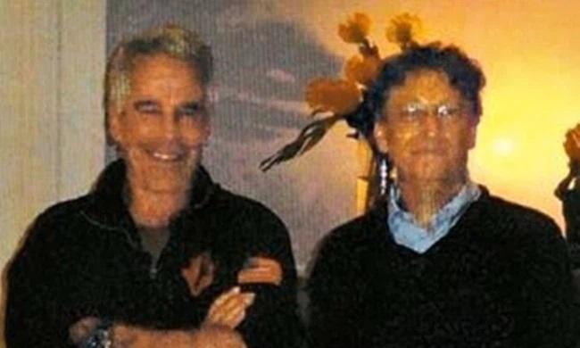 Triệu phú ấu dâm Jeffrey Epstein là người khuyên Bill Gates bỏ vợ - 1