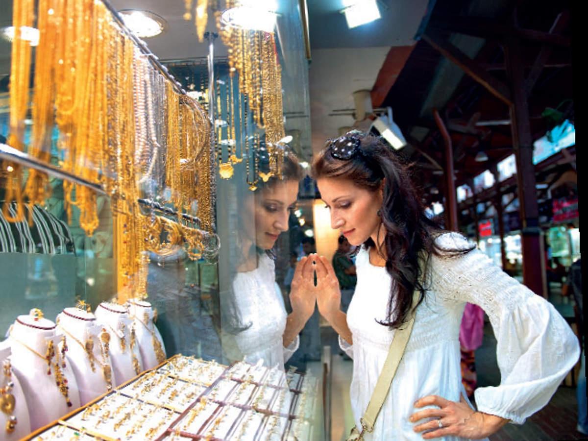Khu chợ bày bán hàng tấn vàng, mặc cả như mua rau ở Dubai - 6