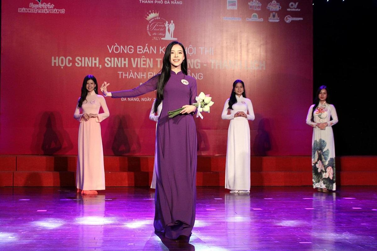 Nữ sinh Đà Nẵng khoe sắc xuân thì trong tà áo dài duyên dáng - 2
