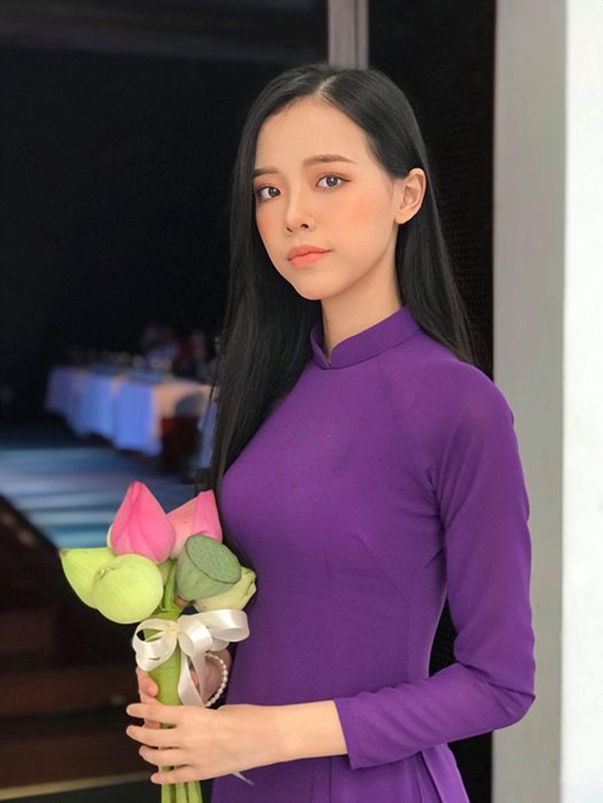 Nữ sinh Đà Nẵng khoe sắc xuân thì trong tà áo dài duyên dáng - 3