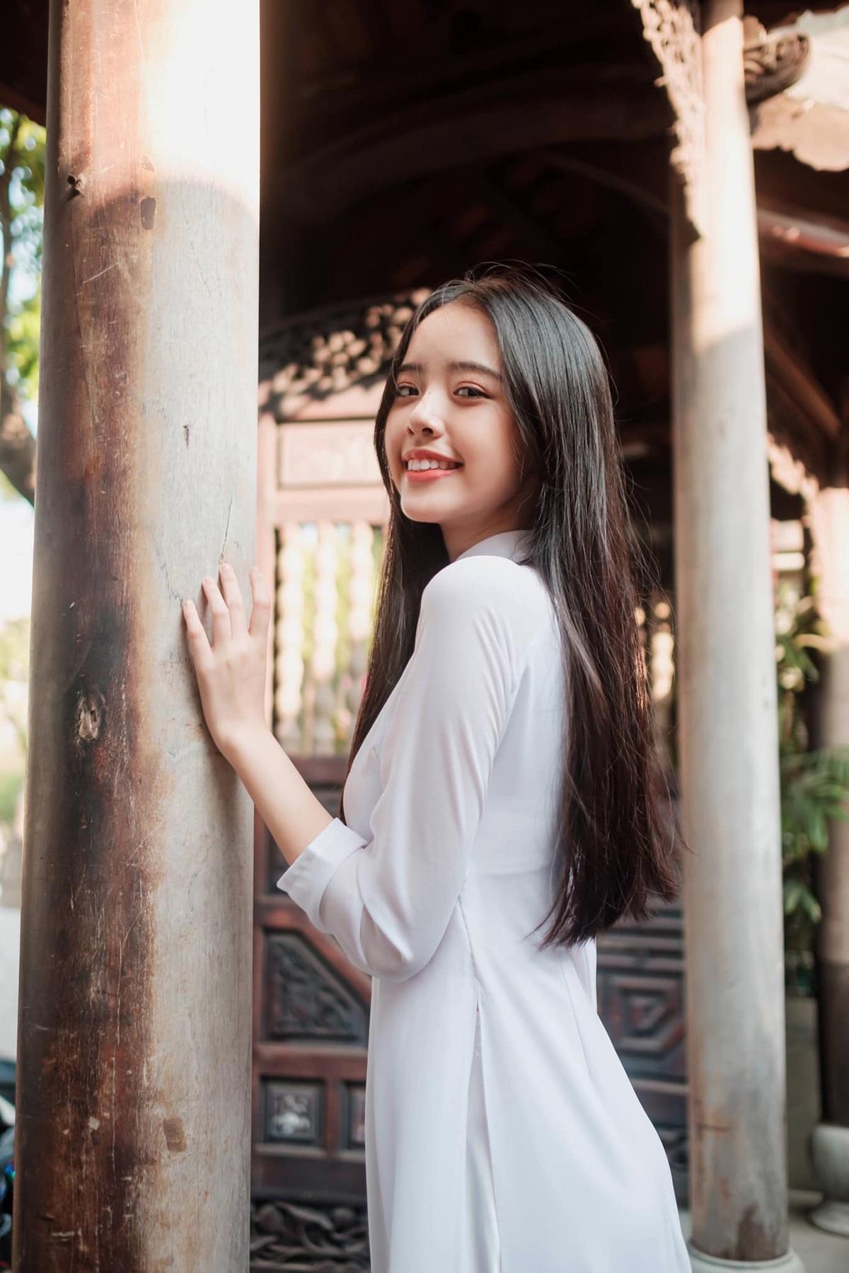 Nữ sinh Đà Nẵng khoe sắc xuân thì trong tà áo dài duyên dáng - 6
