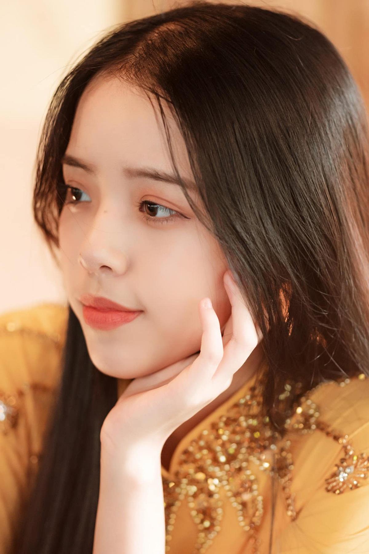 Nữ sinh Đà Nẵng khoe sắc xuân thì trong tà áo dài duyên dáng - 8