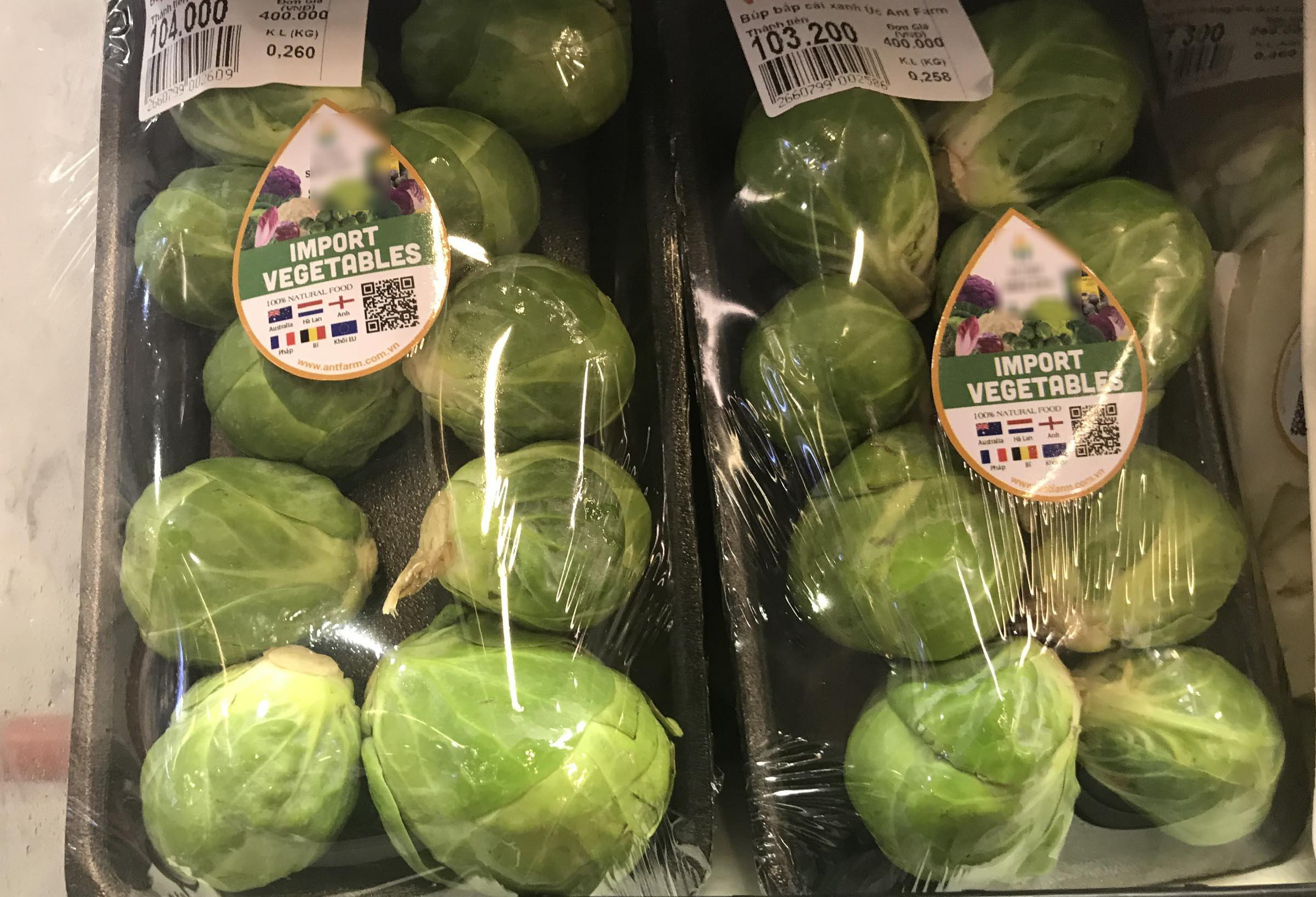 Bay từ Australia về Việt Nam, bắp cải tí hon được hét giá 400.000 đồng/kg - 1