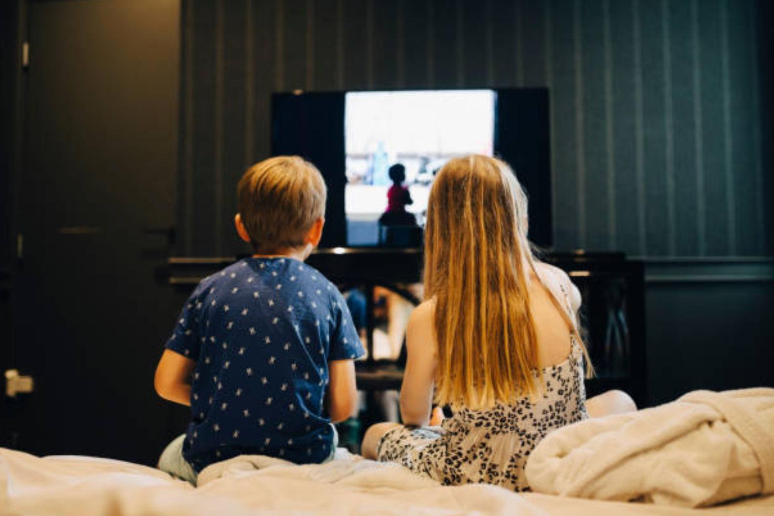 6 điều phải làm nếu muốn con cai điện thoại, tivi khi nghỉ hè - 1