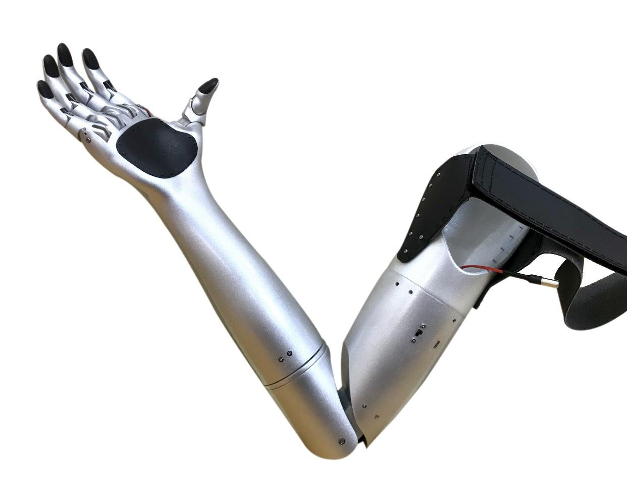 Sự kiên trì của đôi bạn chế tạo Cánh tay Robot đoạt giải KHKT quốc tế - 2