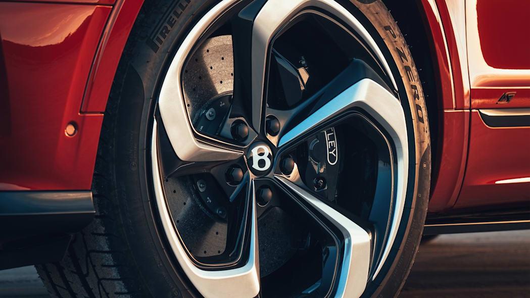 Bentley giới thiệu Bentayga S làm chân chạy cho nhà giàu - 10