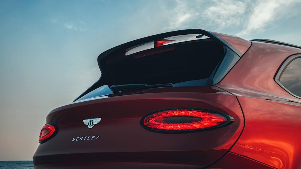 Bentley giới thiệu Bentayga S làm chân chạy cho nhà giàu - 12