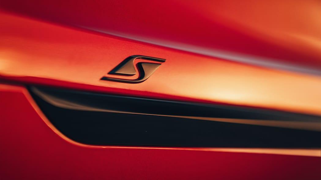 Bentley giới thiệu Bentayga S làm chân chạy cho nhà giàu - 15
