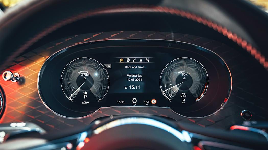 Bentley giới thiệu Bentayga S làm chân chạy cho nhà giàu - 17