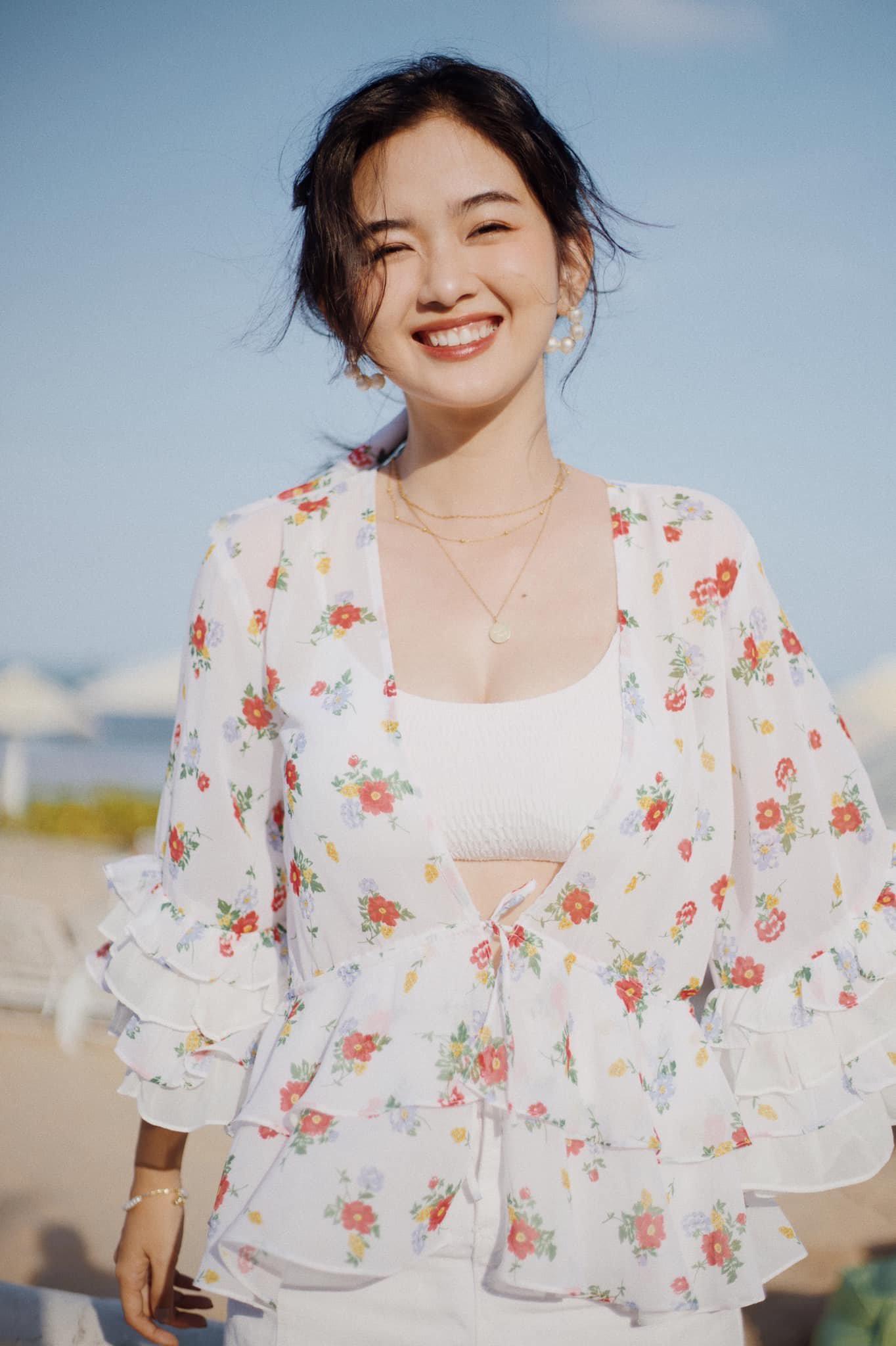 Nữ sinh RMIT sở hữu vẻ đẹp thanh thoát và nụ cười tỏa nắng - 1