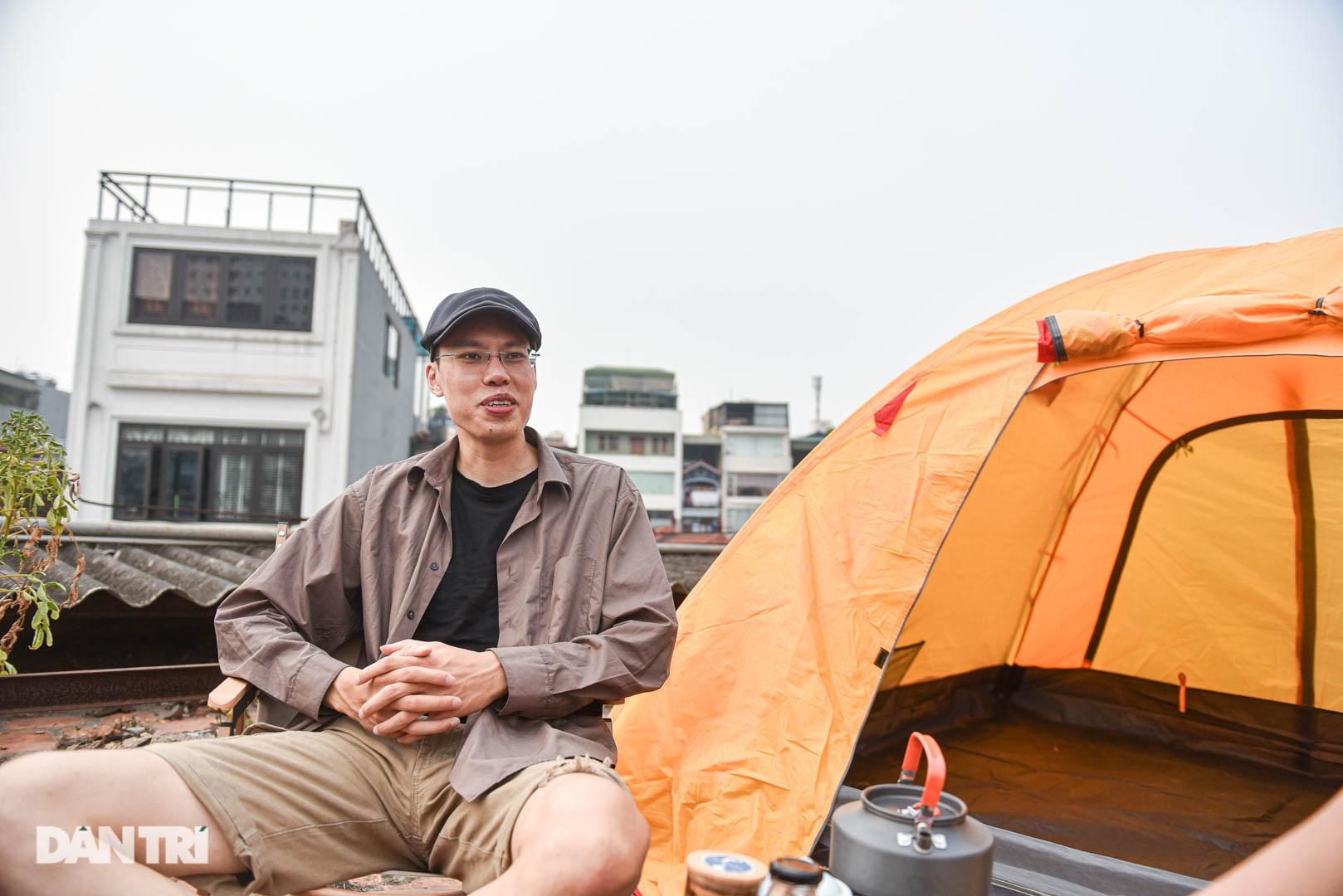 Thèm du lịch, giới trẻ đầu tư cắm trại tại gia: Chỉ ngắm nóc nhà vẫn vui - 2