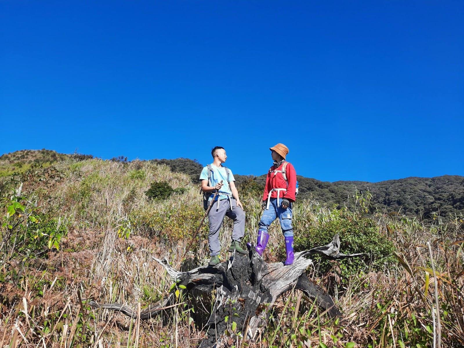 Cô kỹ sư nông nghiệp chinh phục 15 đỉnh núi cao ở Việt Nam trong 2 năm - 2