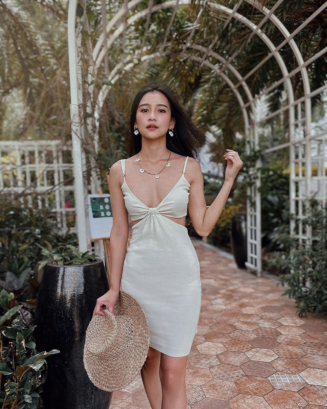 Mỹ nữ Đài Loan sở hữu mặt xinh dáng chuẩn hút mọi ánh nhìn - 4