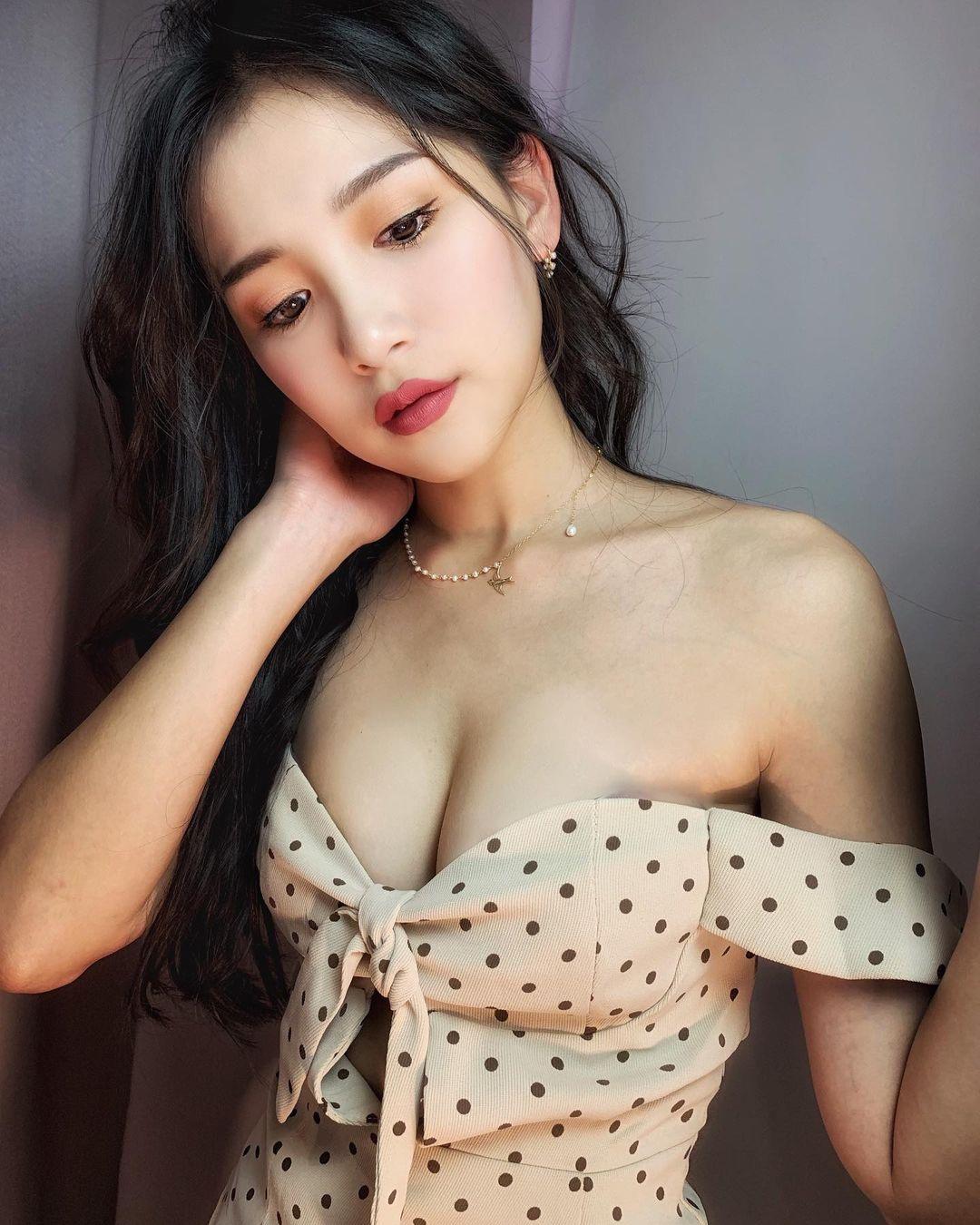 Mỹ nữ Đài Loan sở hữu mặt xinh dáng chuẩn hút mọi ánh nhìn - 9