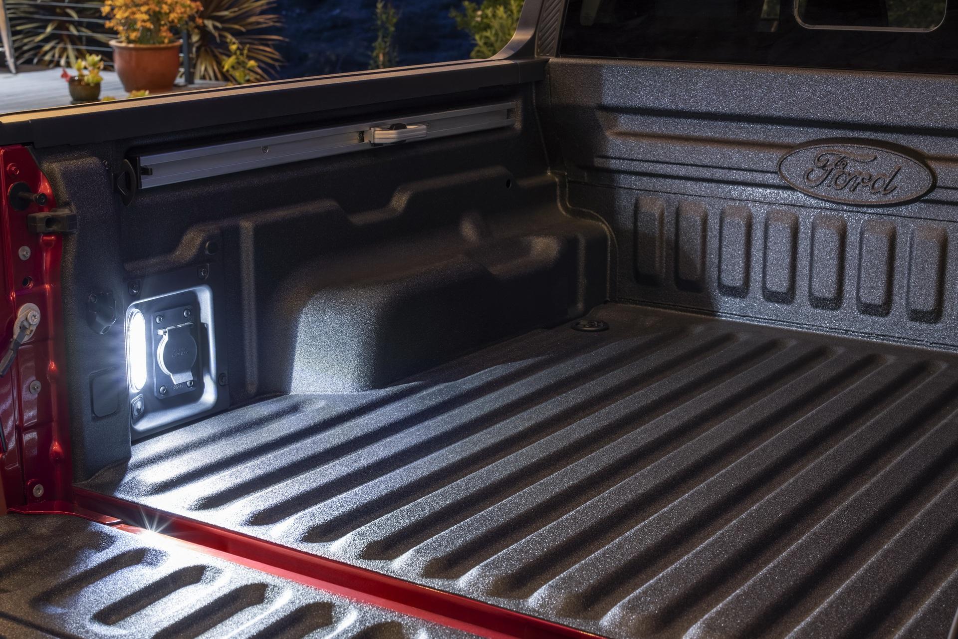 Ford ra mắt mẫu xe bán tải Maverick nhỏ hơn Ranger - 12