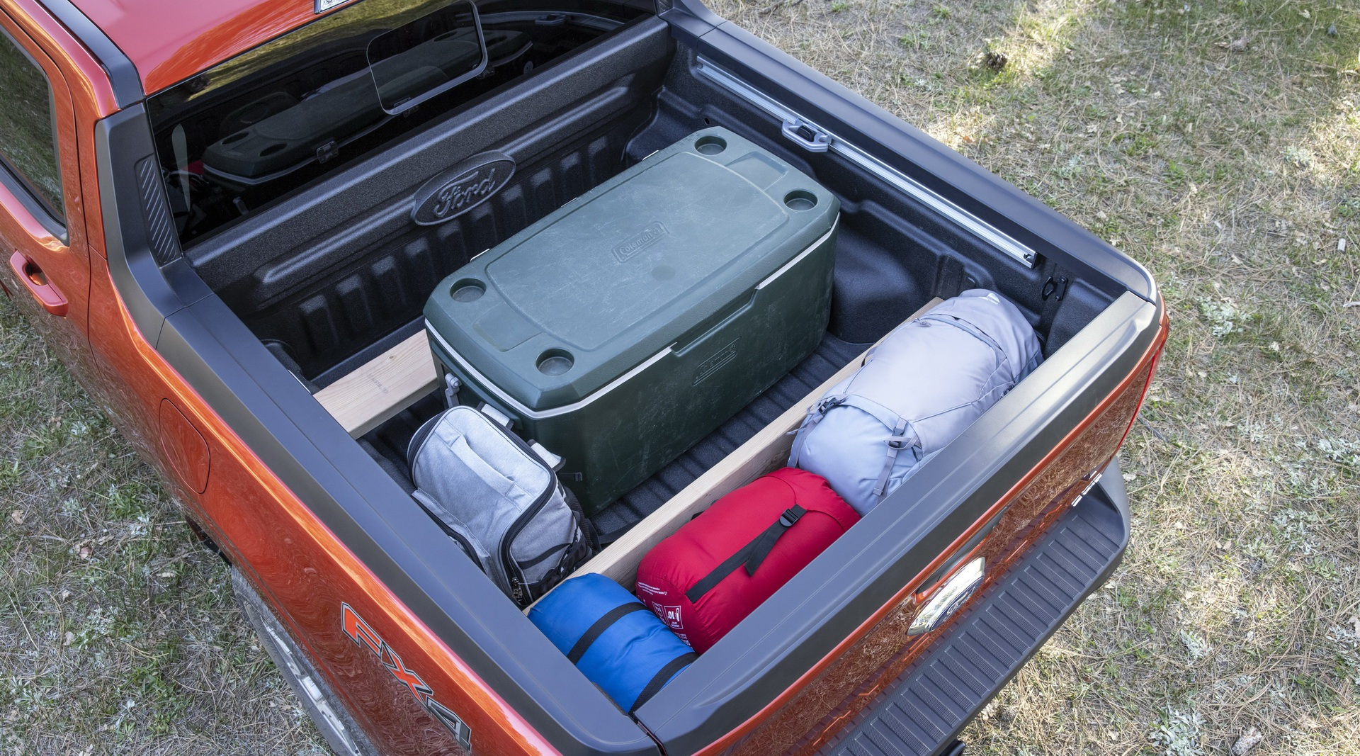 Ford ra mắt mẫu xe bán tải Maverick nhỏ hơn Ranger - 3