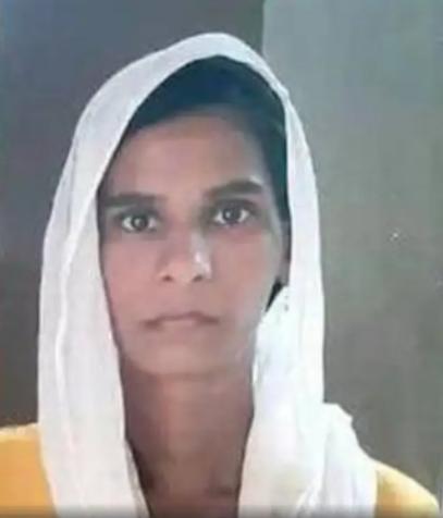 Cô gái mất tích 11 năm trốn trong… phòng ngủ bạn trai gần nhà - 2