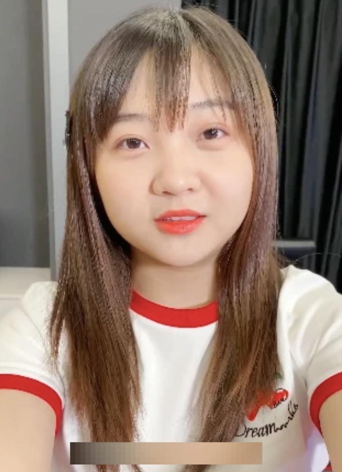 Bé gái Olympic mãi chật vật: Nhiều người hỏi Trương Nghệ Mưu ở đâu... - 2