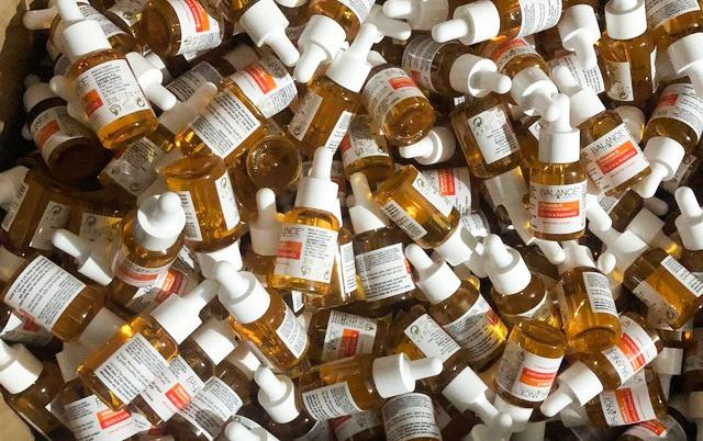 Nơi làm giả hàng nghìn lọ serum sáng da Vitamin C Balance - 1