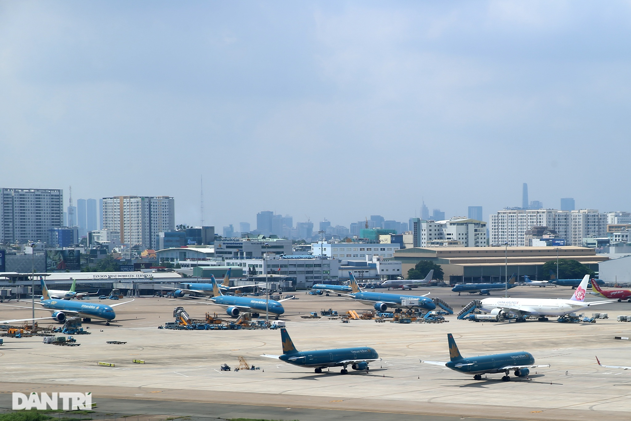 Ám ảnh hàng trăm tàu bay đắp chiếu nằm la liệt tại Nội Bài, Tân Sơn Nhất - 17