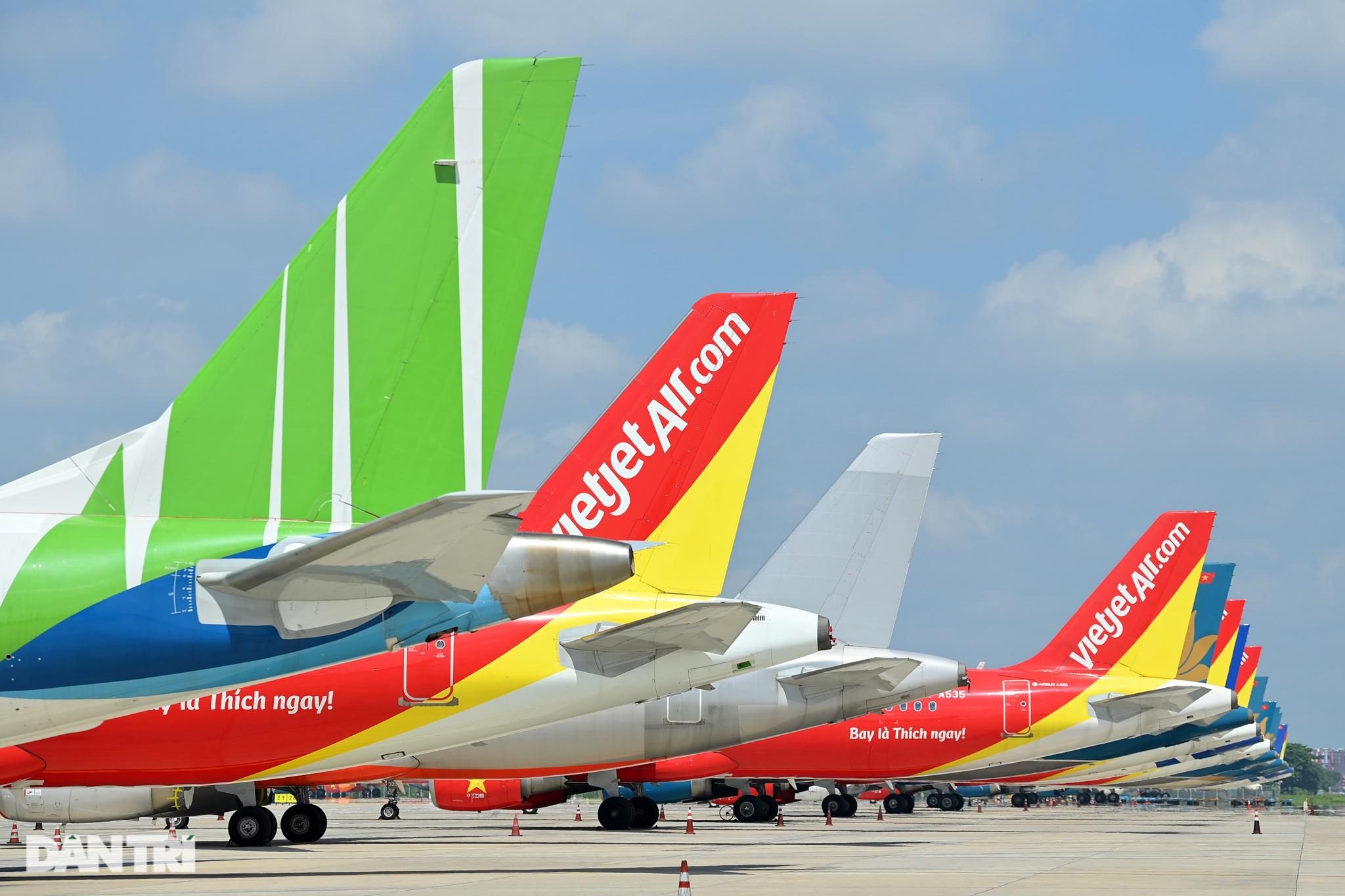 Ám ảnh hàng trăm tàu bay đắp chiếu nằm la liệt tại Nội Bài, Tân Sơn Nhất - 20