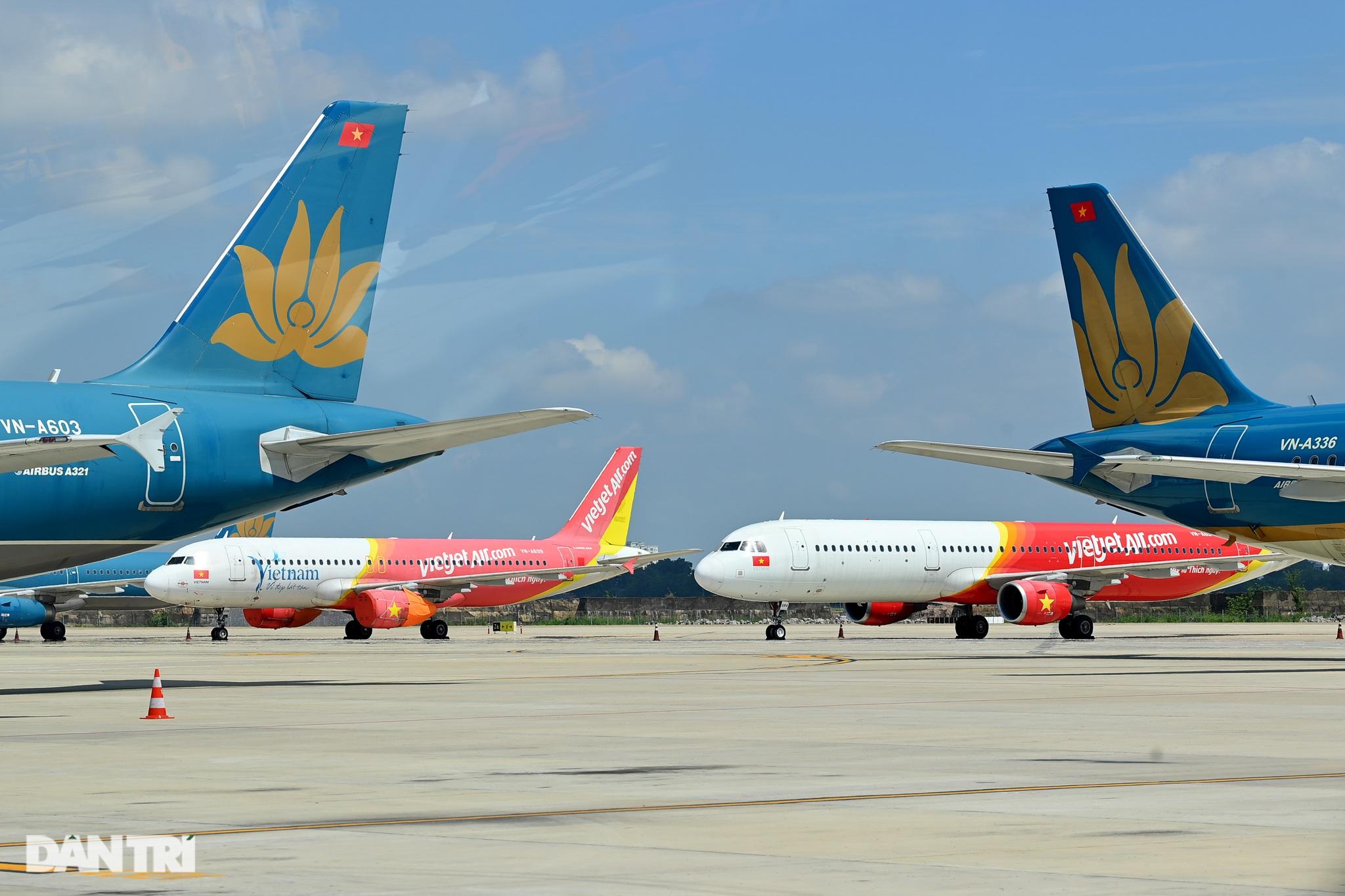 Ám ảnh hàng trăm tàu bay đắp chiếu nằm la liệt tại Nội Bài, Tân Sơn Nhất - 14