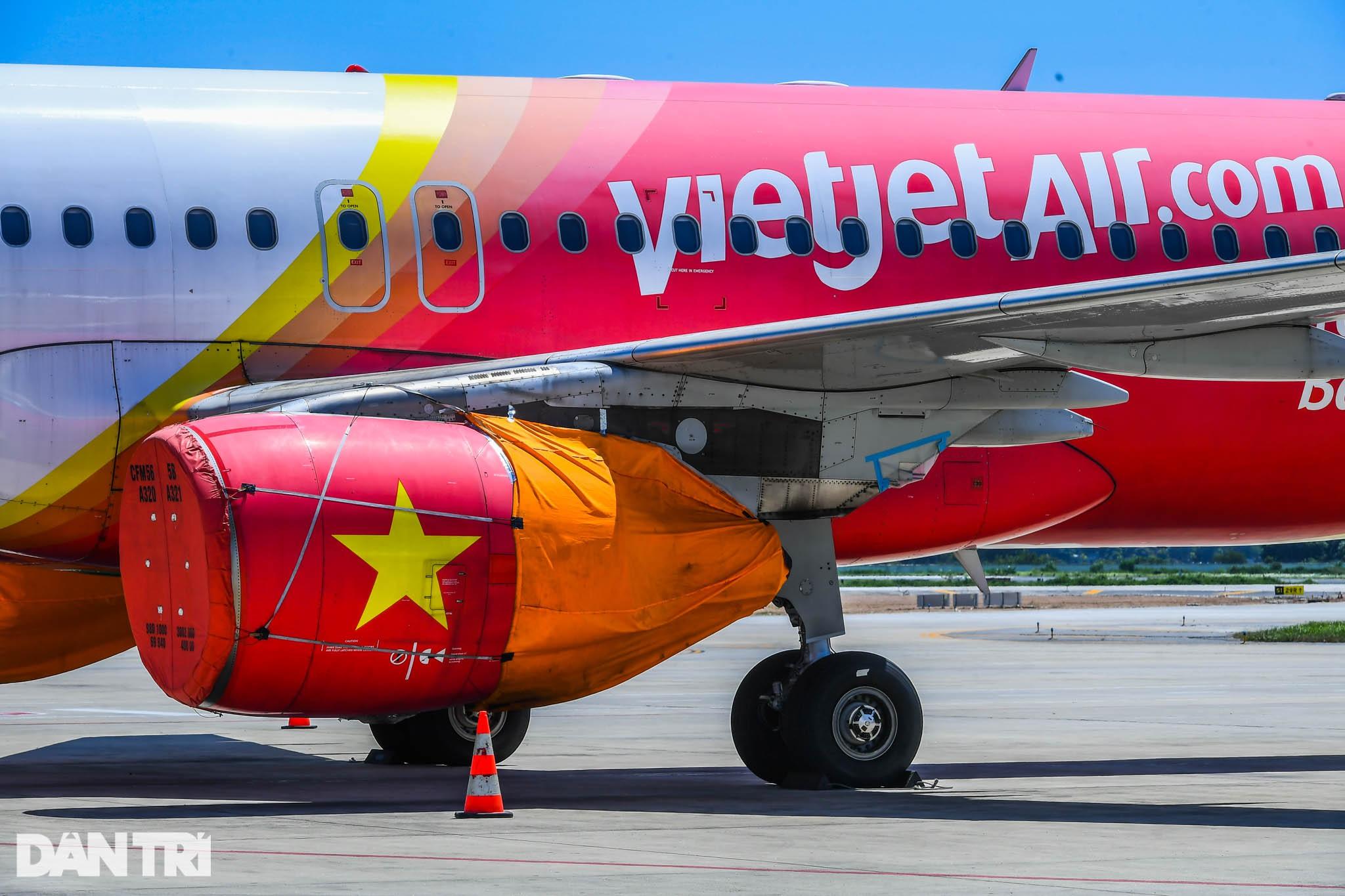 Ám ảnh hàng trăm tàu bay đắp chiếu nằm la liệt tại Nội Bài, Tân Sơn Nhất - 10